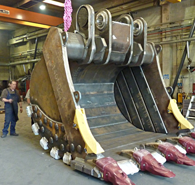 380x360-Hardox-helps-VERCO-supply-equipment-for-extreme-mining